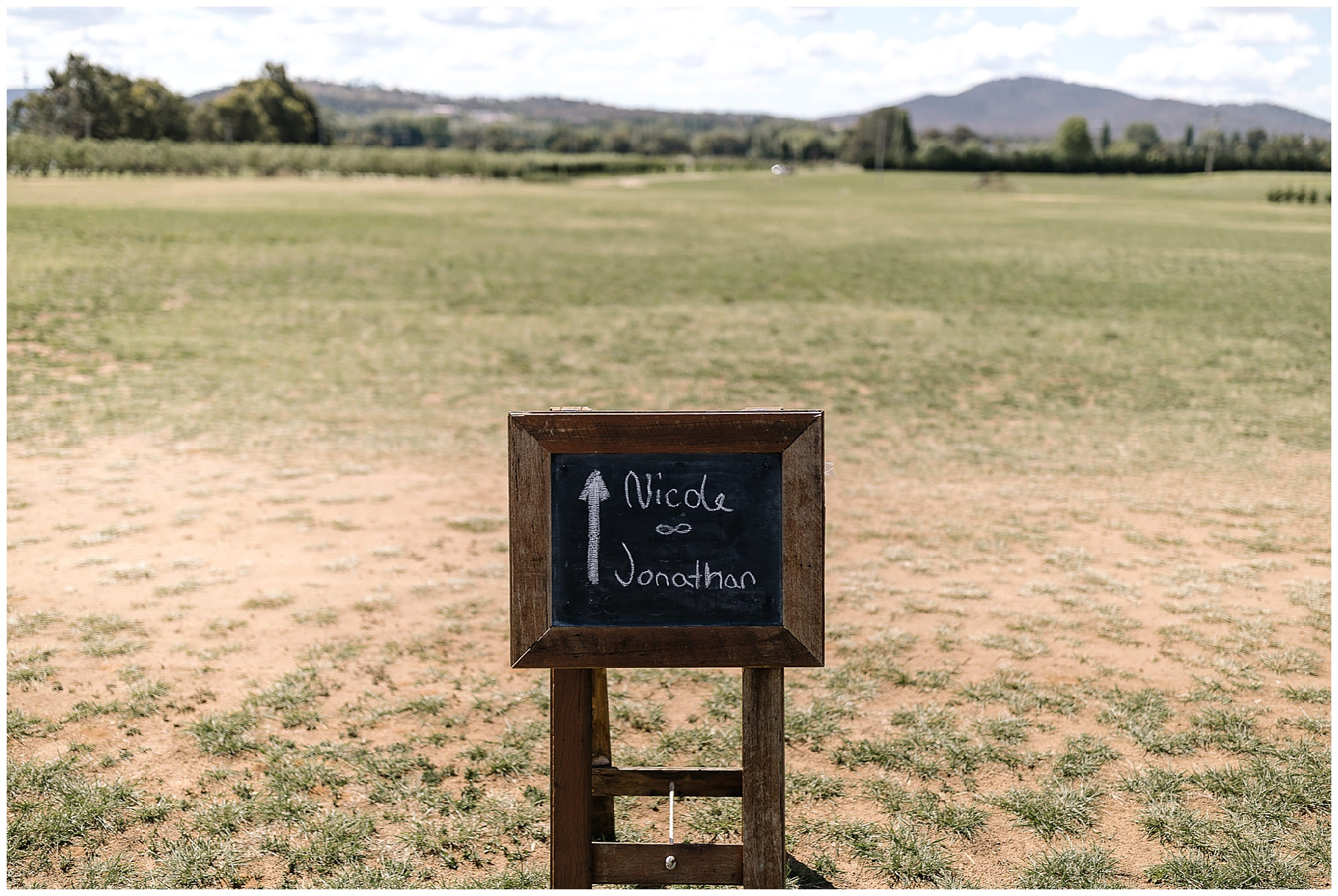 pialligo estate,Pialligo estate wedding,barton flower bar,country wedding,keepsakephoto by the keeffes,canberra wedding photographer,canberra wedding photography,ACT wedding photographer,